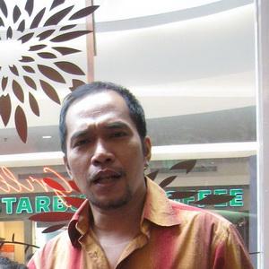 Mendiang Ricky Jo Raih Piala, Anak Menangis