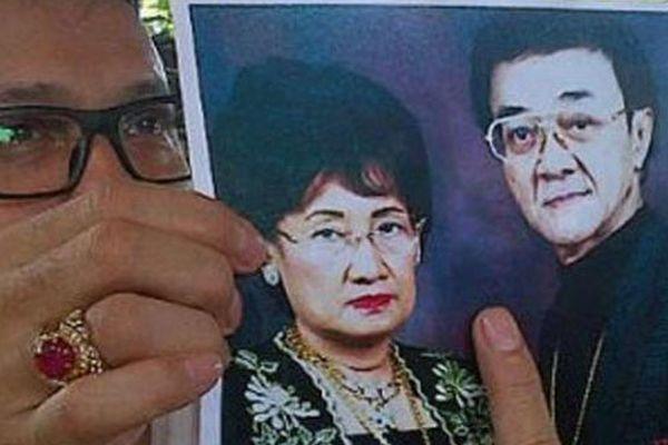 Adi Bing Slamet pamer foto Eyang Subur bersama istri (foto: Edi Hidayat/Okezone)