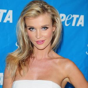 Nikahi Joanna Krupa Harus Mau Bercinta Seminggu 3 Kali