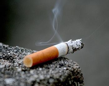 Isap Rokok Usai Bangun Tidur, Picu Kanker Mulut