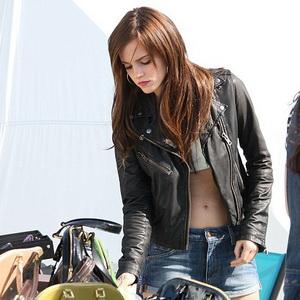 Emma Watson Belajar Jadi Penari Striptis