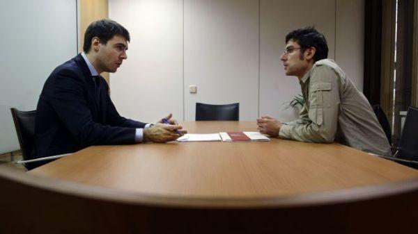 "<img src=""http://tinypic.com/image/globe.jpg"" alt=""gambar wawancara kerja""/>"