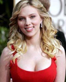 Scarlett Johansson Tak Suka Pria Pecemburu
