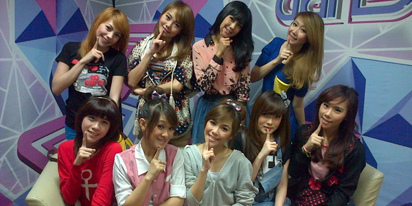 "Cherly & Angel ""Cherry Belle"" Sering Tidur Bareng"