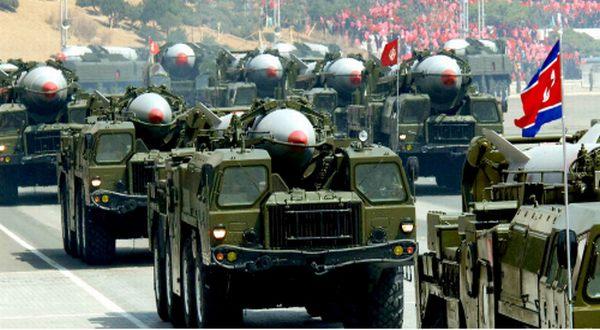 Foto : Parade militer Korut (Rodong Simun)