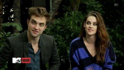 Ultah, Robert Pattinson Hadiahi Kristen Stewart Pulpen