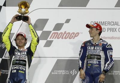 Valentino Rossi dan Jorge Lorenzo. (Foto: Reuters)