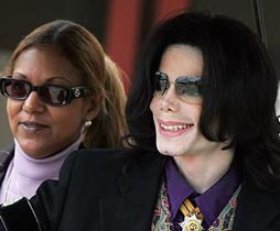 Kakak Sering Didatangi Arwah Michael Jackson