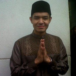 Dude Harlino Anggap Uje Ustadz Terbaik di Indonesia