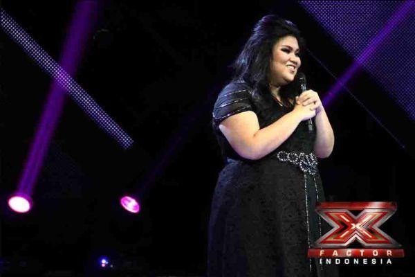 Shena Malsiana saat tampil di Gala Show 10 (Foto: Arif/okezone)
