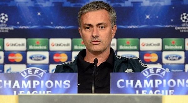 Jose Mourinho - Pelatih Real Madrid (Foto: The Sun)