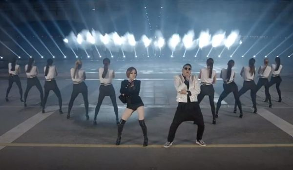 Psy dalam video klip Gentleman