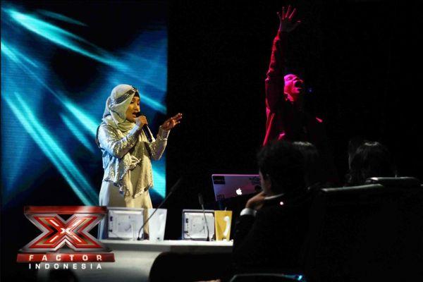 Fatin Shidqia saat tampil di Gala Show 8 (Foto: Arif/okezone)