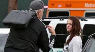 Kristen Stewart Malu Alami Kecelakaan Mobil