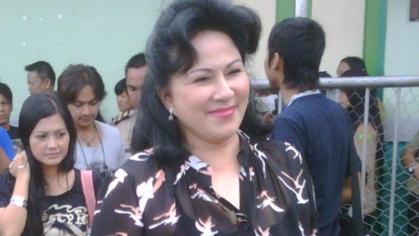 Sys NS Tak Nyaman Hadapi Perceraian Camelia Malik