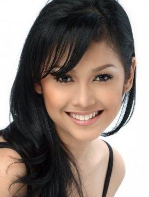 Presenter Nira Stania Meninggal karena Kanker Payudara