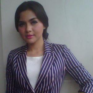 Alasan Vicky Shu Urungkan Niat Pakai Jilbab