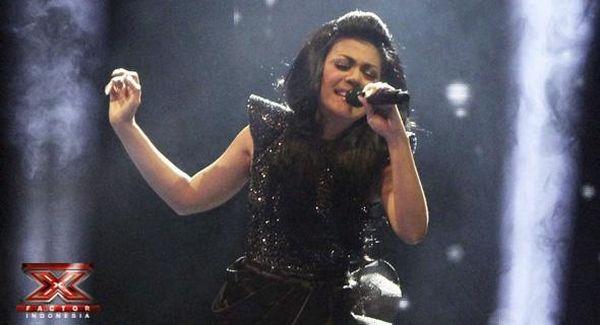 Novita Dewi saat tampil di Gala Show 5 (Foto: Luthfi/okezone)