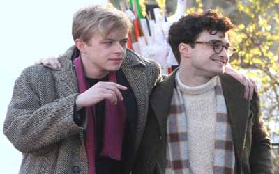Daniel Radcliffe dalam film Kill Your Darlings (foto: Rex)