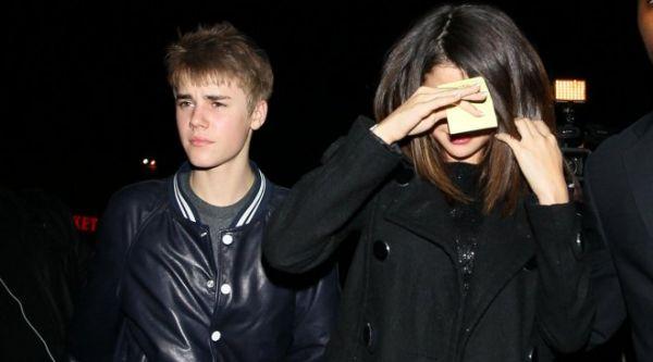 Justin Bieber & Selena Gomez (Foto: Hollyscoop)