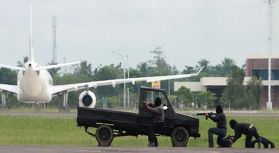 Terbang tanpa izin, pesawat militer as ditahan di aceh
