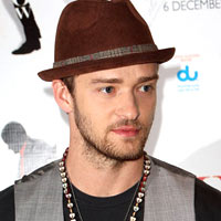 Hilangkan Stres, Justin Timberlake Sering Pukul Bantal