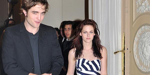 Robert Pattinson & Kristen Stewart (Foto: Showbizspy)