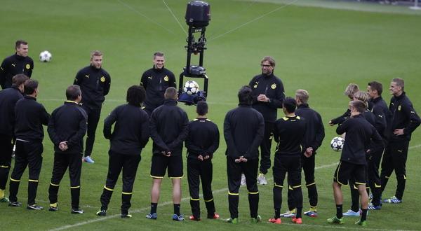 Borussia Dortmund asuhan Jurgen Klopp punya ciri khas antusias, cepat, dan penuh keyakinan/Reuters