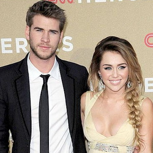 Tunangan Miley Cyrus Selingkuh dengan Jennifer Lawrence?