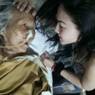 Nenek & Ustadz Uje Kasih Pesan Sama kepada Ade Fitrie