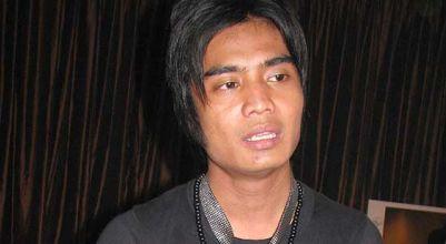 """Diisukan Selingkuh, Charly """"Setia Band"""" Malah Bisnis Karaoke"""