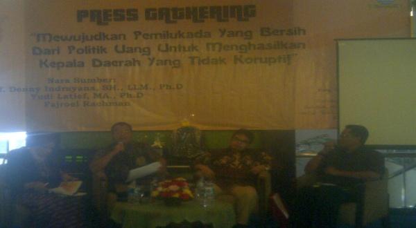 Diskusi pemilukada dan korupsi di Bandung (Foto: Oris/Okezone)