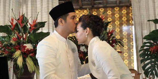 Dewi Sandra Ikhlas Belum Punya Momongan