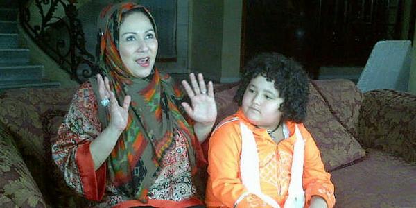 Camelia Malik Tetap Bersama demi Anak-Anak