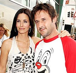 Courteney Cox & David Arquette Resmi Cerai