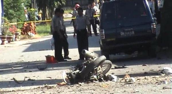 Lokasi bom bunuh diri di Mapolres Poso (foto: Yoanes Lita/Sindo TV)