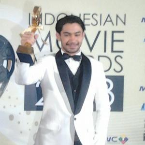 Reza Rahadian Puji Akting Rifnu Wikana sebagai Jokowi