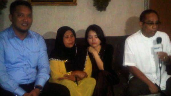 Dewi Yakin Ibunda Ani Kena Gendam Eyang Subur