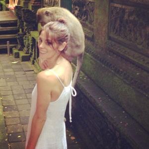Di Bali, Ashley Greene Asyik Berbikini hingga Lecet-Lecet