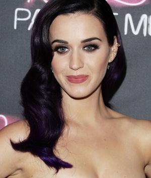 Oalah, Katy Perry Tidak Jago Membaca