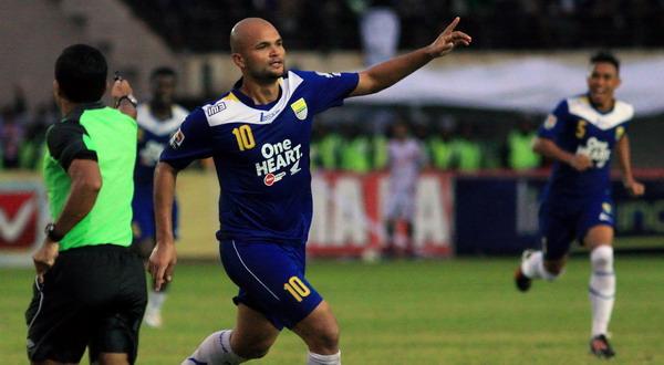 Selebrasi gol Sergio van Dijk (Foto: Adam Erlangga/SINDO)