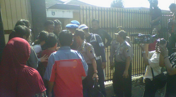 Rekonstruksi pemembakan satpam di Semarang (Foto: Nugroho/Okezone)