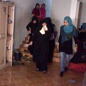 Keluarga Menduga Istri Uje Sakit Tifus