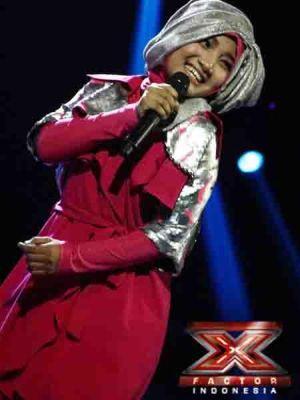 Fatin Shidqia saat tampil di Gala Show 10 X Factor Indonesia (Foto: Arif/okezone)