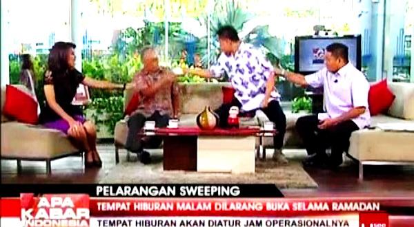 Munarman Siram Air Teh Thamrin Amal Tamagola