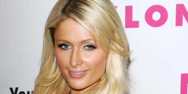 Paris Hilton Yakin Banyak Orang Ingin Membunuhnya