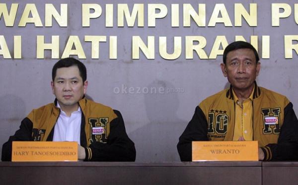 Ketum Hanura Wiranto bersama Ketua Dewan Pertimbangan Hanura Hary Tanoesoedibjo (Foto: Dok Okezone)