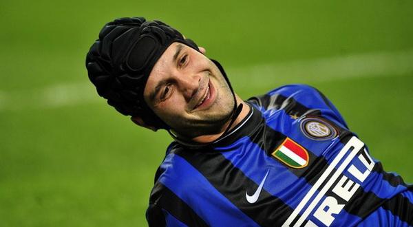 Kabar perihal kepindahan Cristian Chivu dari  Inter Milan memang sempat beredar Terkini Chivu Ingin Akhiri Karier di Inter