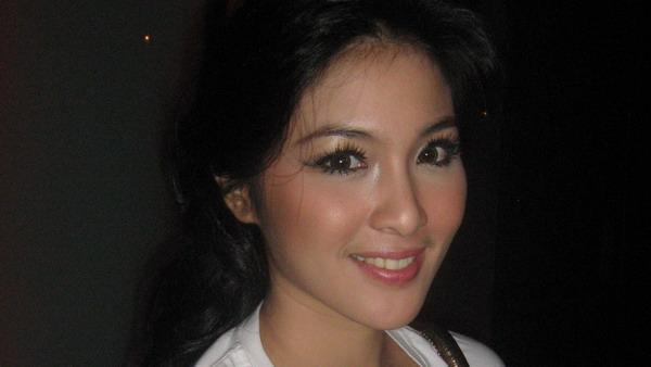 Gara-Gara Sinetron, Sandra Dewi Bisa Salat