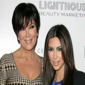 Ibunda Desak Kim Kardashian Jual Foto Anaknya